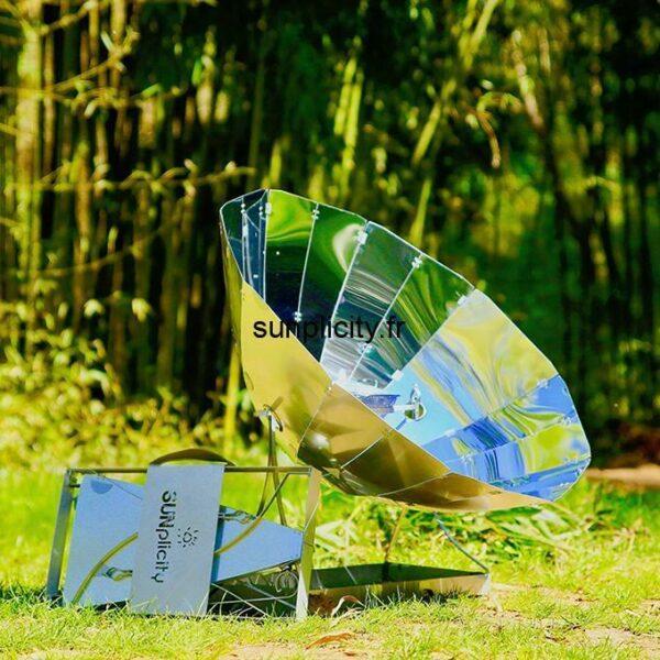 Le four solaire Sunplicity plié et déplié