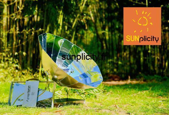 Le four solaire pliable SUNplicity dans une forêt de bambou