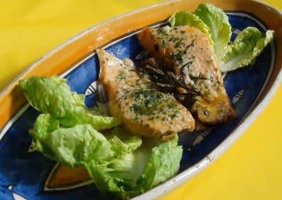 Saumon au thym dans son plat